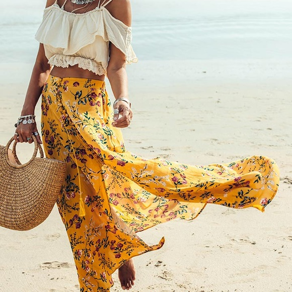 LF Dresses & Skirts - LF floral maxi yellow skirt